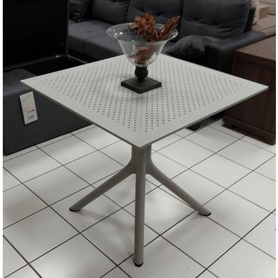 Table ERIC en polypro 80x80 cm